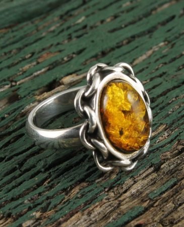 Amber Oval  Rolo Flange Ring R-0112-a