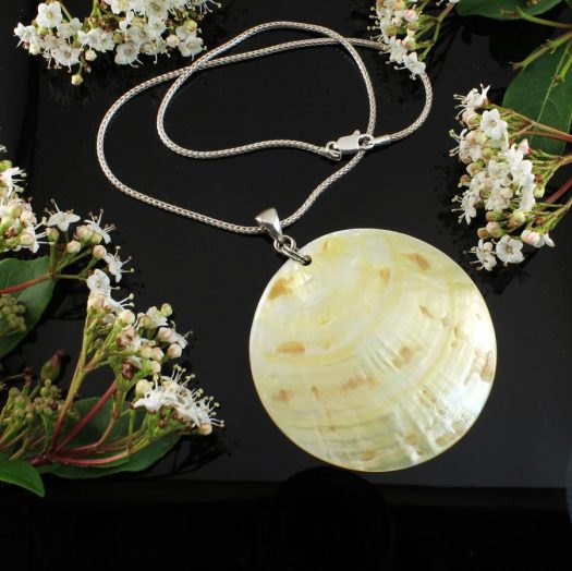 Beige Mother-of-Pearl Circle N-0172-a