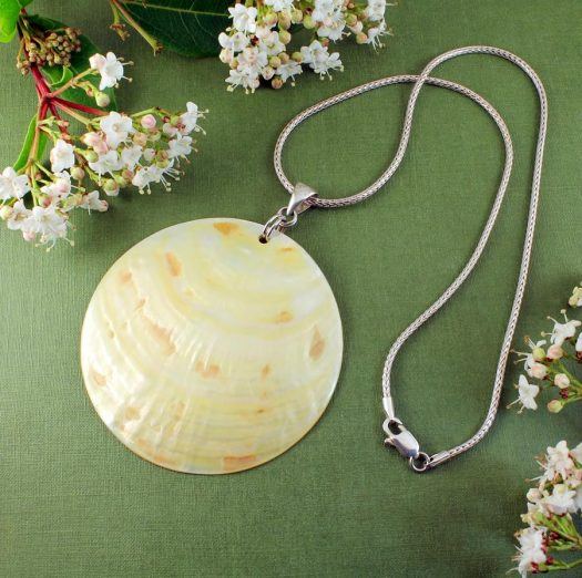 Beige Mother-of-Pearl Circle N-0172-b