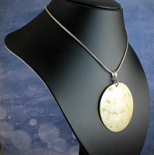Beige Mother-of-Pearl Circle N-0172-j
