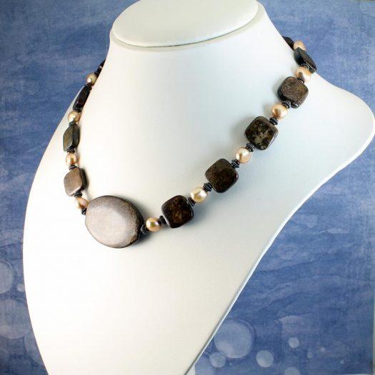 Bronzite Freshwater Pearls N-0120-c