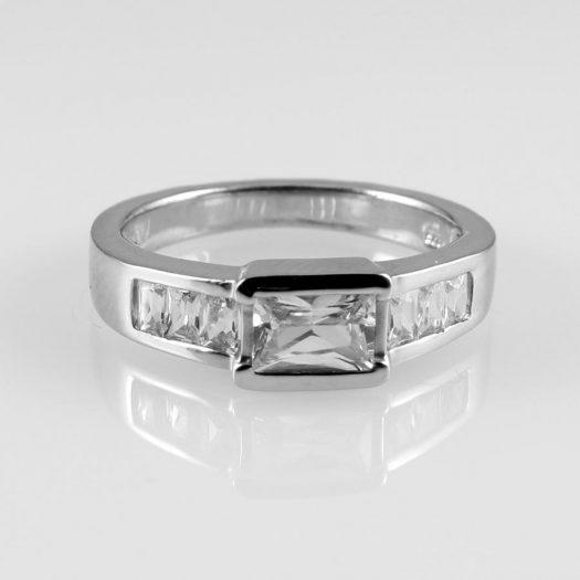 Clear Quartz Crystal Ring R-0184-b