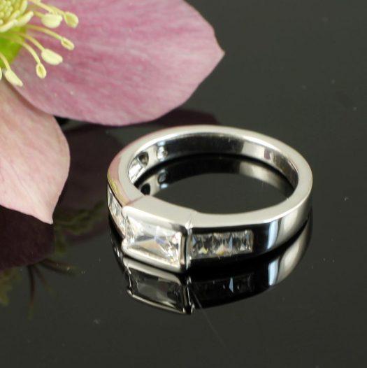 Clear Quartz Crystal Ring R-0184-c