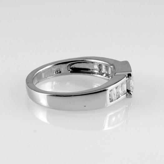 Clear Quartz Crystal Ring R-0184-f