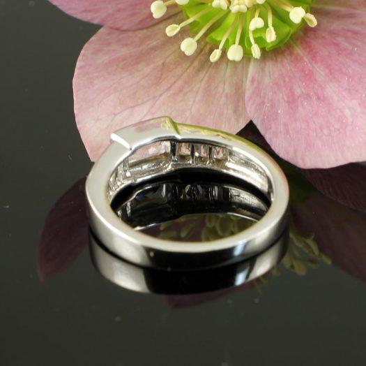 Clear Quartz Crystal Ring R-0184-k