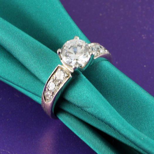 Clear Quartz Crystal Ring R-0187-a