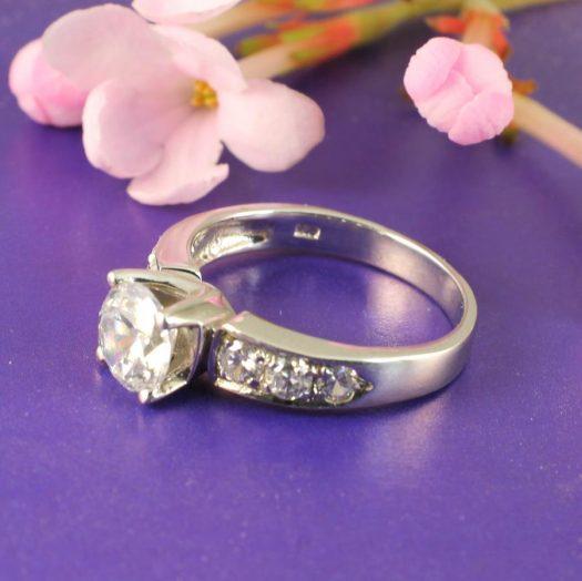 Clear Quartz Crystal Ring R-0187-e