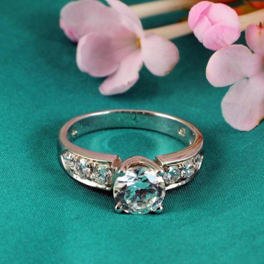 Clear Quartz Crystal Ring R-0187-g
