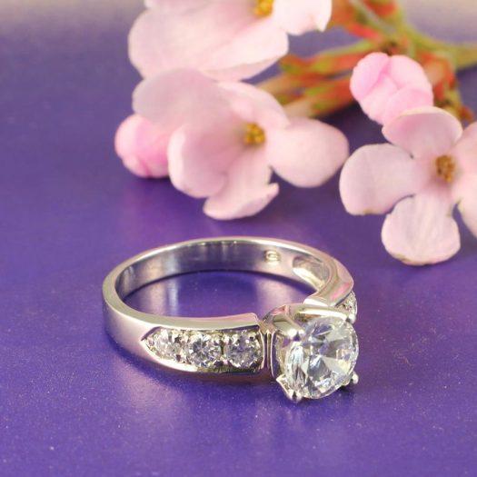 Clear Quartz Crystal Ring R-0187-h