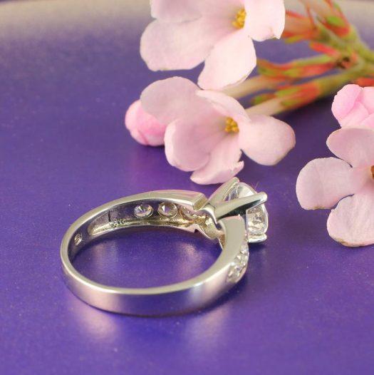 Clear Quartz Crystal Ring R-0187-j