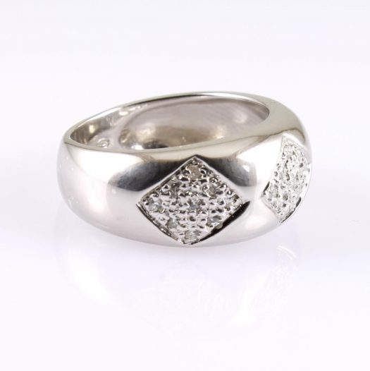 Cubic Zirconia Cluster Ring R-0185-b