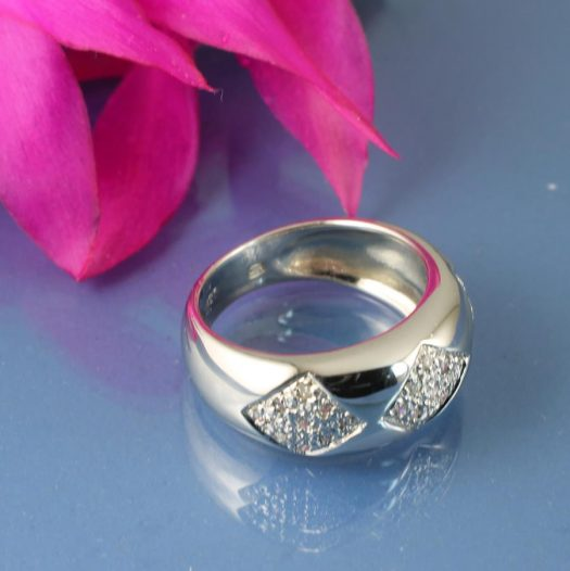 Cubic Zirconia Cluster Ring R-0185-d