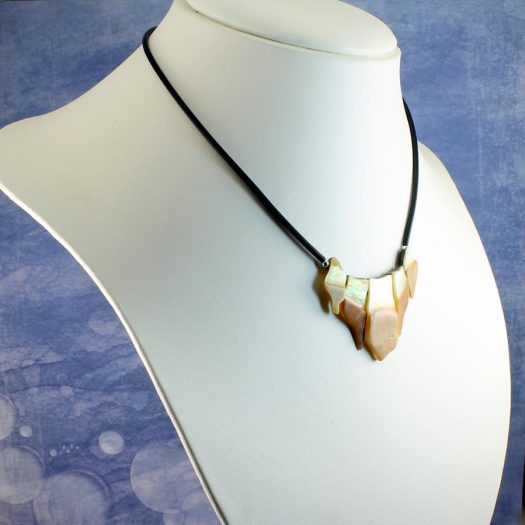 Mother-of-Pearl Chips Necklace N-0149-g