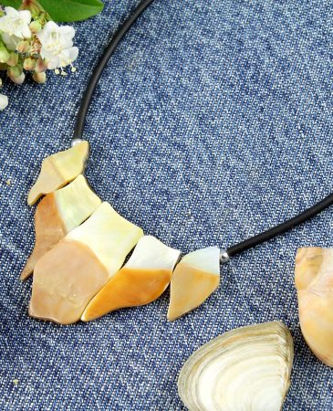 Mother-of-Pearl Chips Necklace N-0149-l