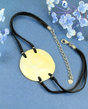 Mother-of-Pearl Circle N-0185-g