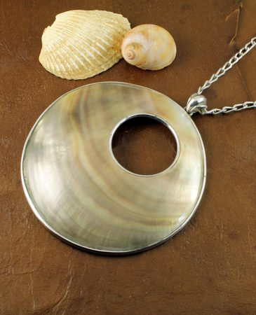 Mother-of-Pearl Circles N-0138-a