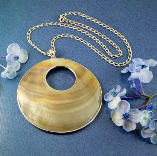 Mother-of-Pearl Circles N-0138-e