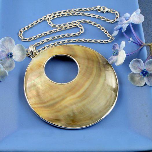 Mother-of-Pearl Circles N-0138-j