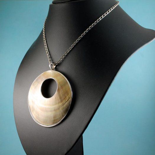 Mother-of-Pearl Circles N-0138-k