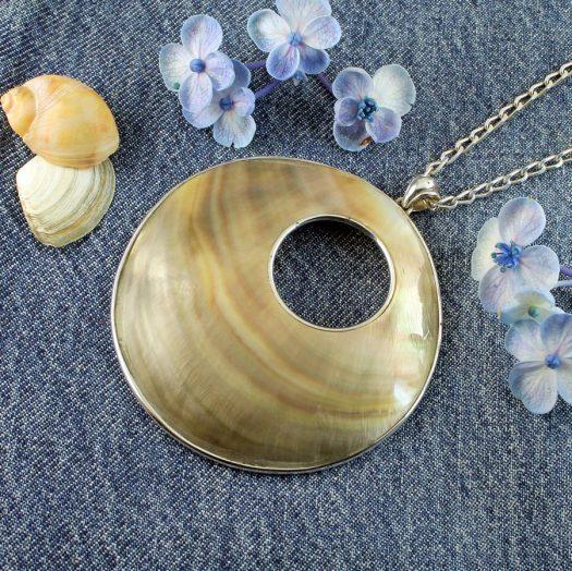 Mother-of-Pearl Circles N-0138-l