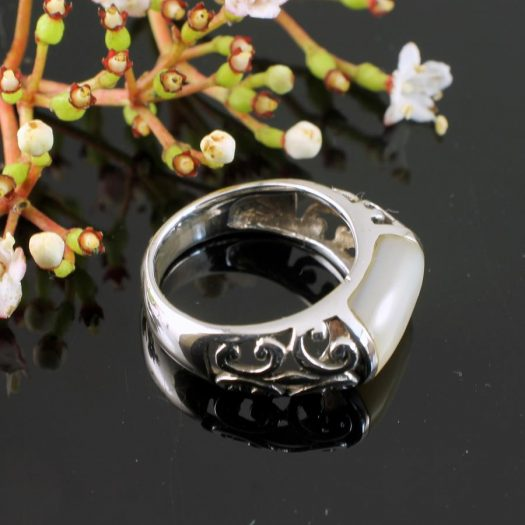 Mother-of-Pearl Filigree Ring R-0201-a