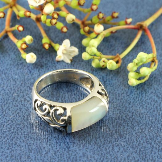 Mother-of-Pearl Filigree Ring R-0201-b
