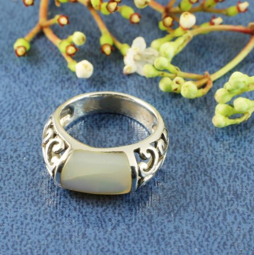 Mother-of-Pearl Filigree Ring R-0201-d