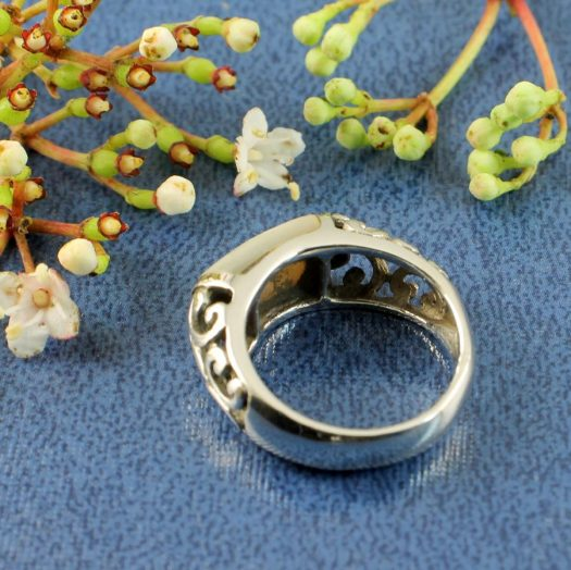Mother-of-Pearl Filigree Ring R-0201-f