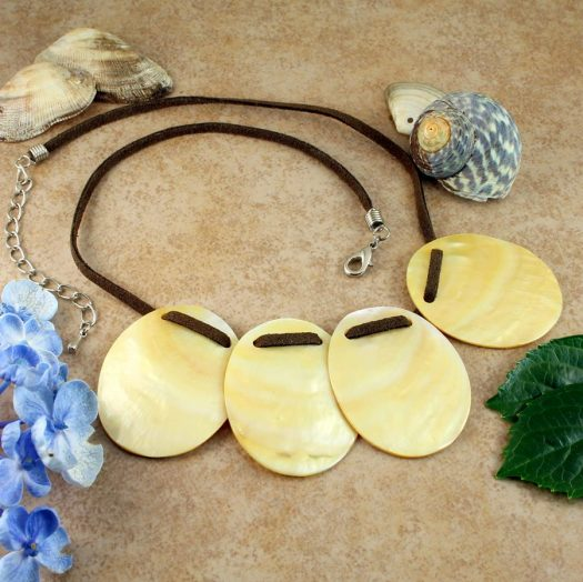 Mother-of-Pearl Four Ovals N-0173-b