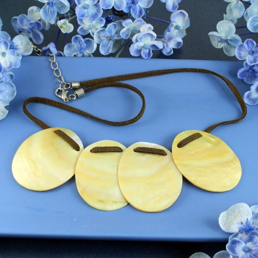 Mother-of-Pearl Four Ovals N-0173-h