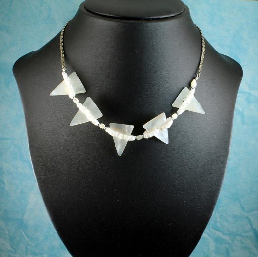 Mother-of-Pearl Triangles N-0147-b