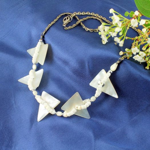 Mother-of-Pearl Triangles N-0147-e