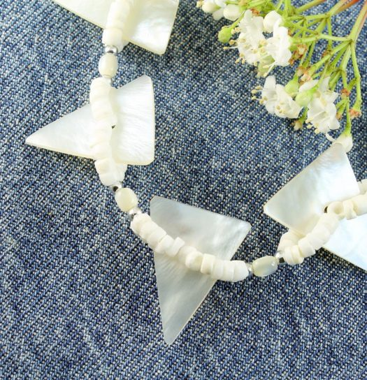 Mother-of-Pearl Triangles N-0147-j