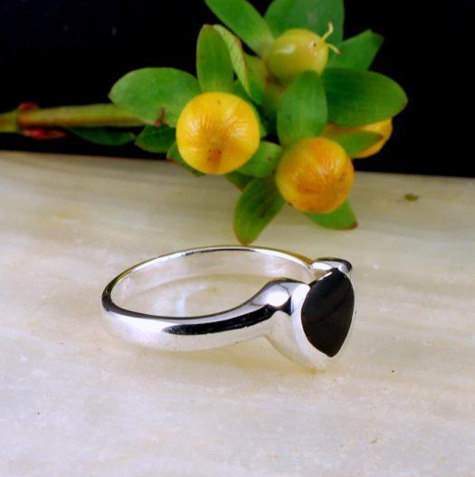 Onyx Heart Ring R-0199-a