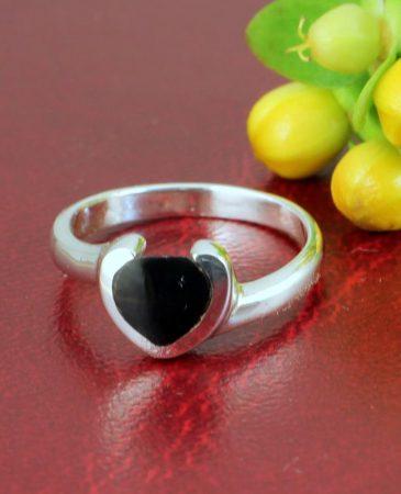 Onyx Heart Ring R-0199-d