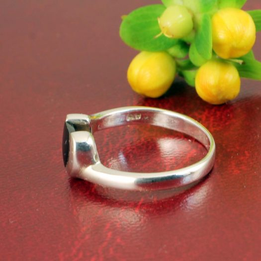 Onyx Heart Ring R-0199-e