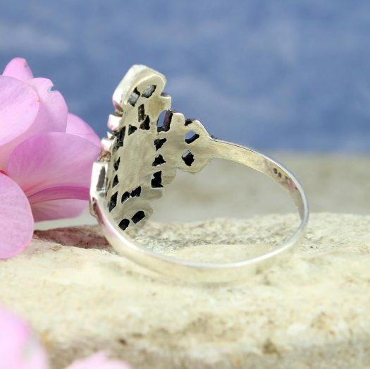 Onyx & Silver Aztec Ring R-0197-e