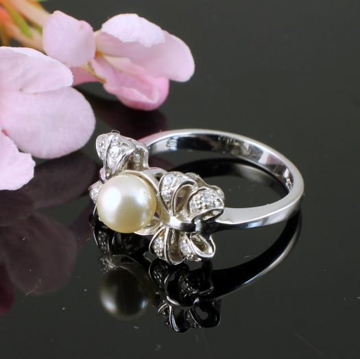 Pearl & Marcasite Ring R-0188-a