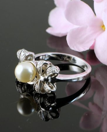 Pearl & Marcasite Ring R-0188-c