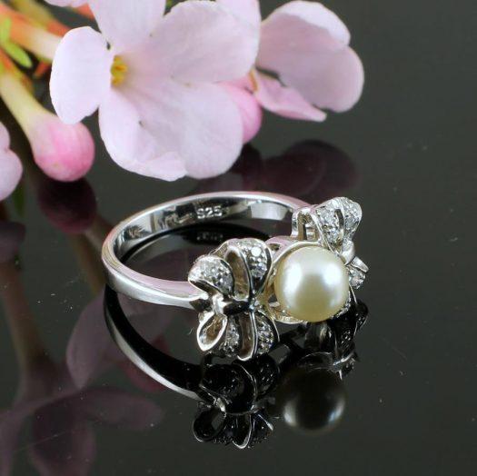 Pearl & Marcasite Ring R-0188-e