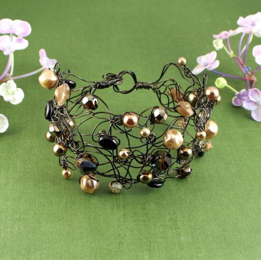 Pearl Wire-Wrapped Bracelet B-0159-a