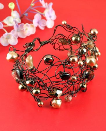 Pearl Wire-Wrapped Bracelet B-0159-b