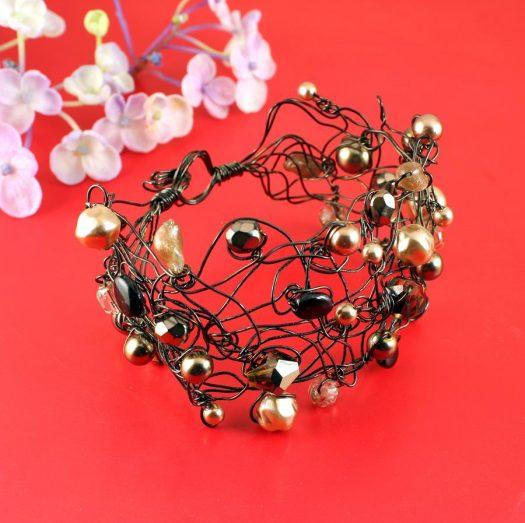 Pearl Wire-Wrapped Bracelet B-0159-b