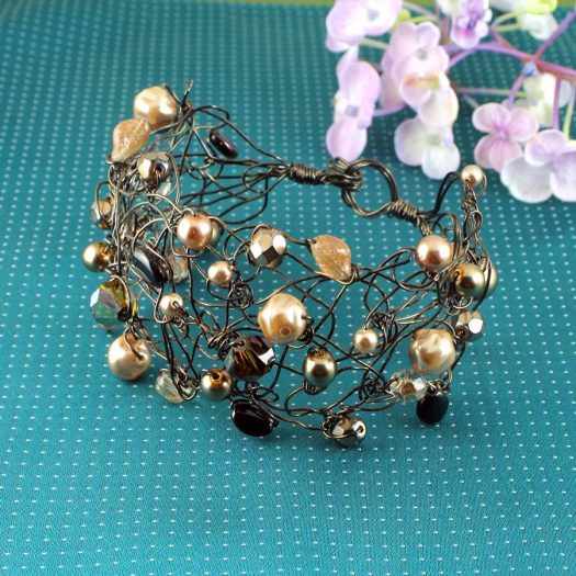 Pearl Wire-Wrapped Bracelet B-0159-c