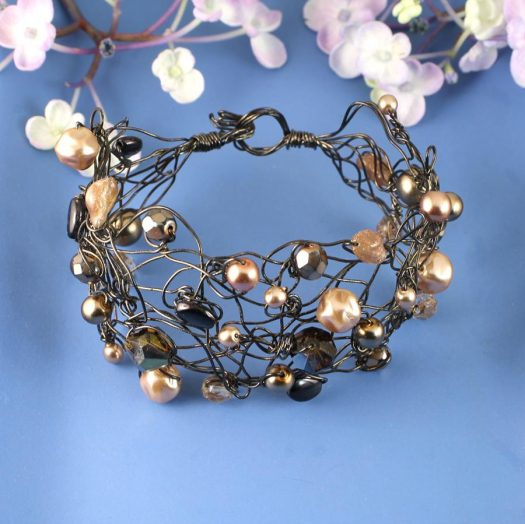 Pearl Wire-Wrapped Bracelet B-0159-d