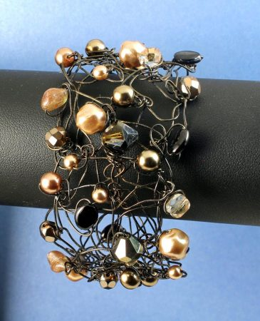 Pearl Wire-Wrapped Bracelet B-0159-h