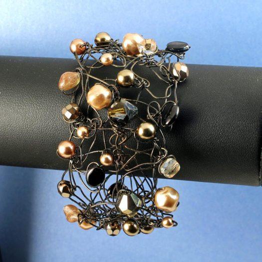 Pearl Wire-Wrapped Bracelet B-0159-h
