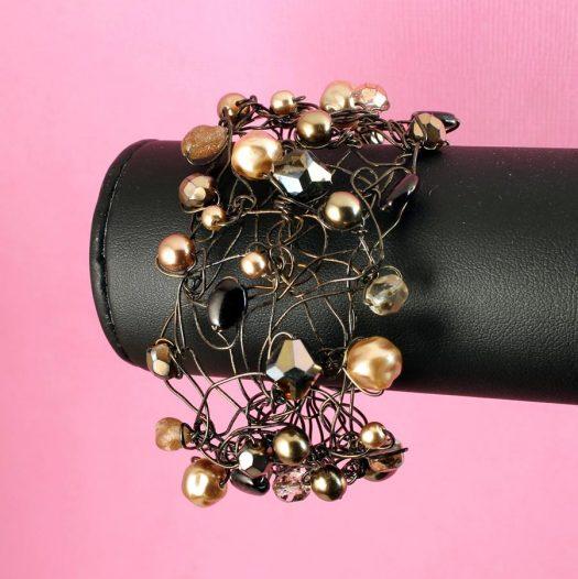 Pearl Wire-Wrapped Bracelet B-0159-j