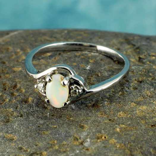 White Opal Ring R-0208-c