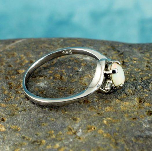 White Opal Ring R-0208-e